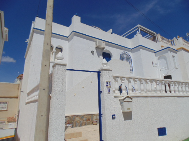 ID4323 BARGAIN Top Floor Apartment 2 bedrooms near Villamartin Orihuela Costa