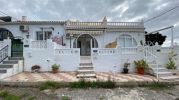 ID4355 RENOVATED Terraced Bungalow 2 bedrooms La Siesta, Torrevieja, Alicante