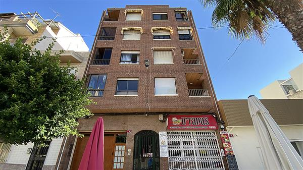 ID4388 Apartment near Beach 4 bedrooms Torrevieja, Costa Blanca